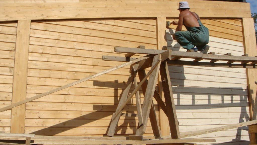 gruntovanie drevesiny