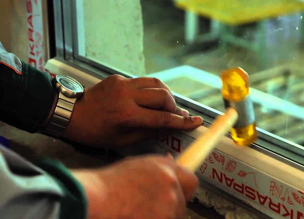 замена разбитого стекла в стеклопакете