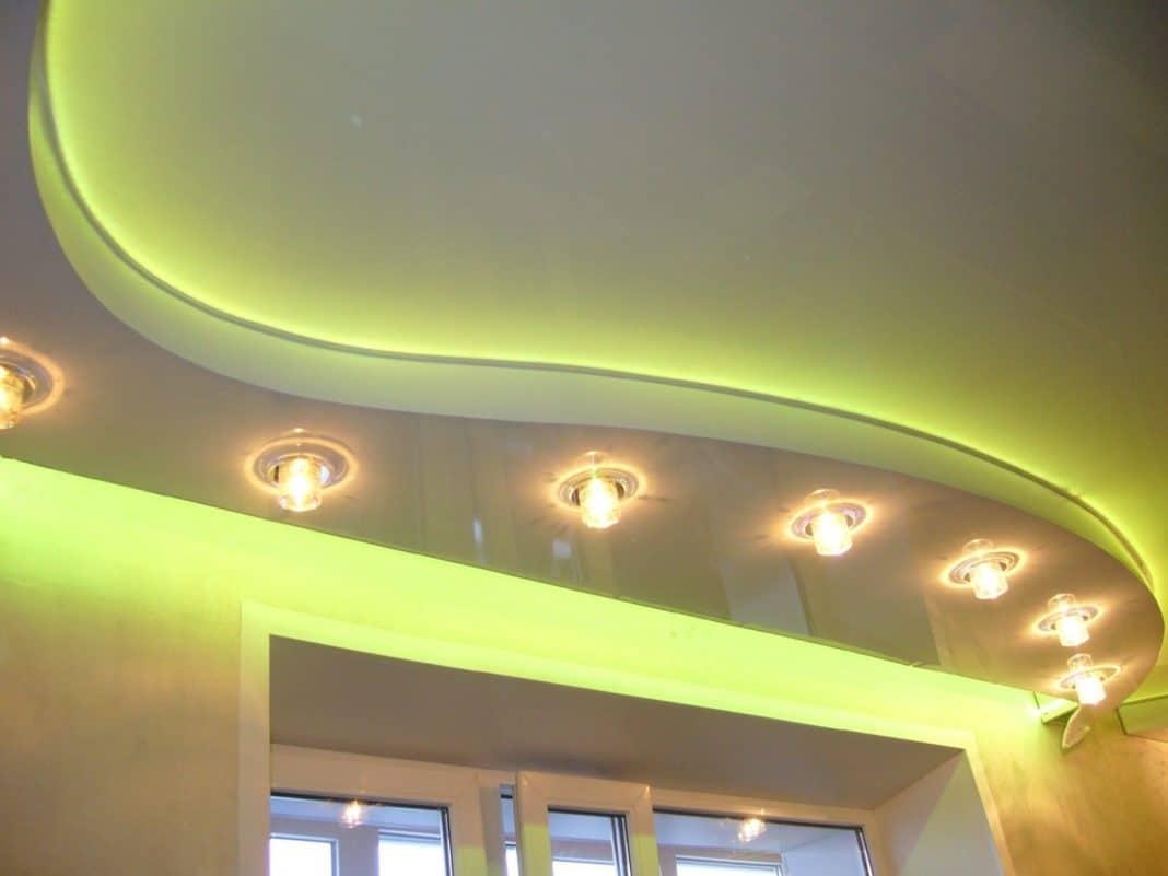 схема размещения светильников на натяжном потолке