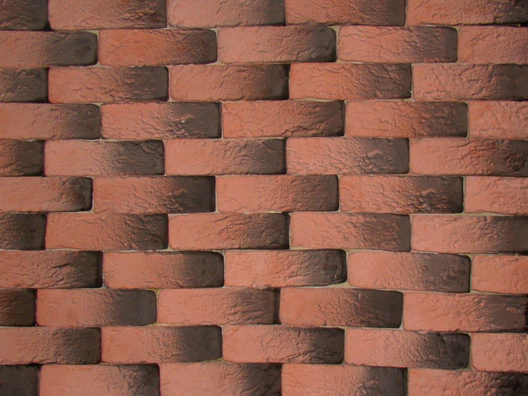 Декоративная отделка стен под кирпич