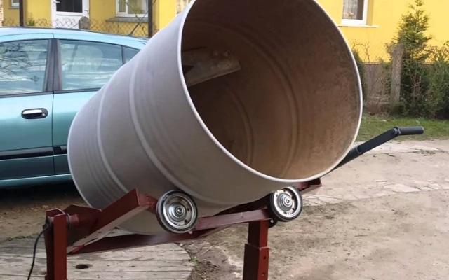 Как сделать и бочки бетономешалку