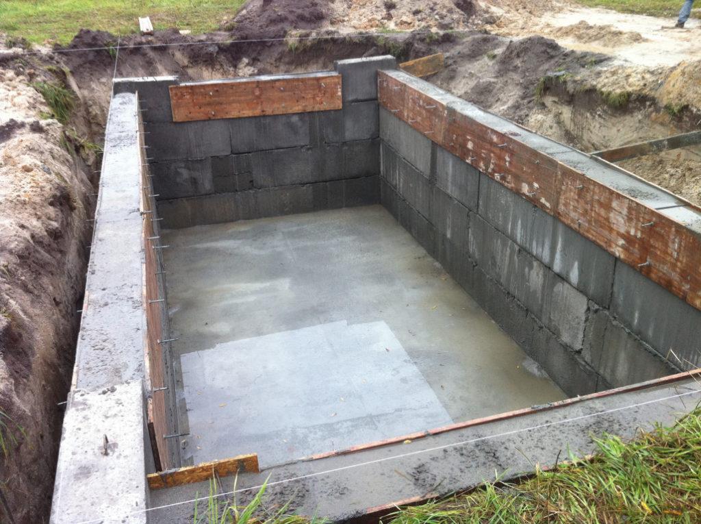 Бетонный пол погреба