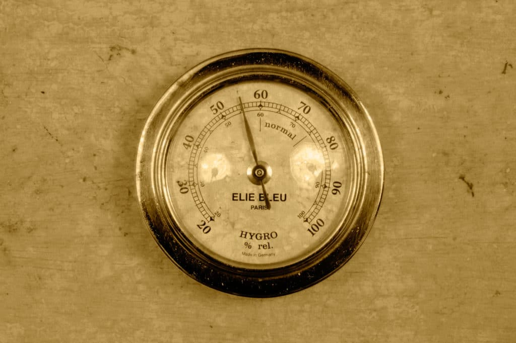 Аналоговый гигрометр