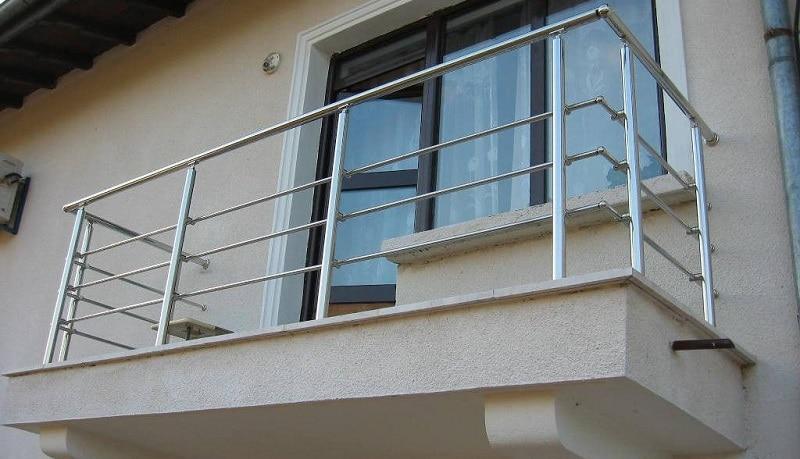 Характеристики балконных перил