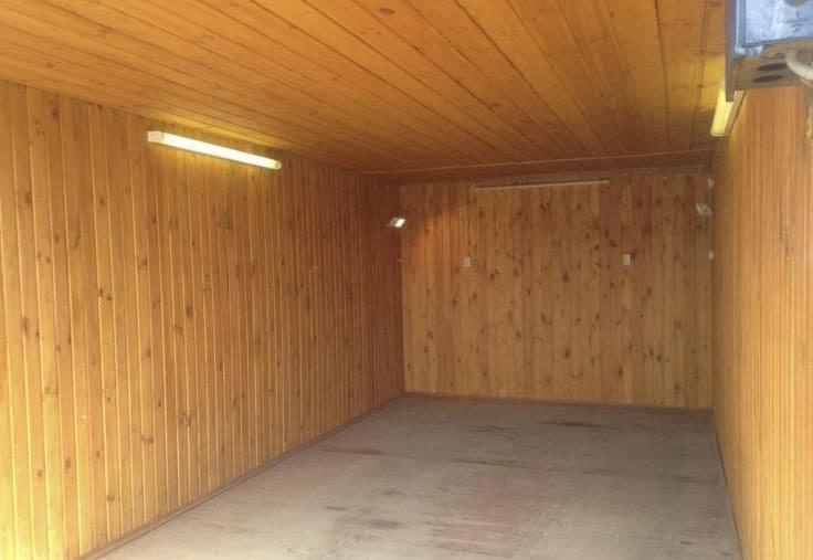 Обшивка потолка в гараже вагонкой