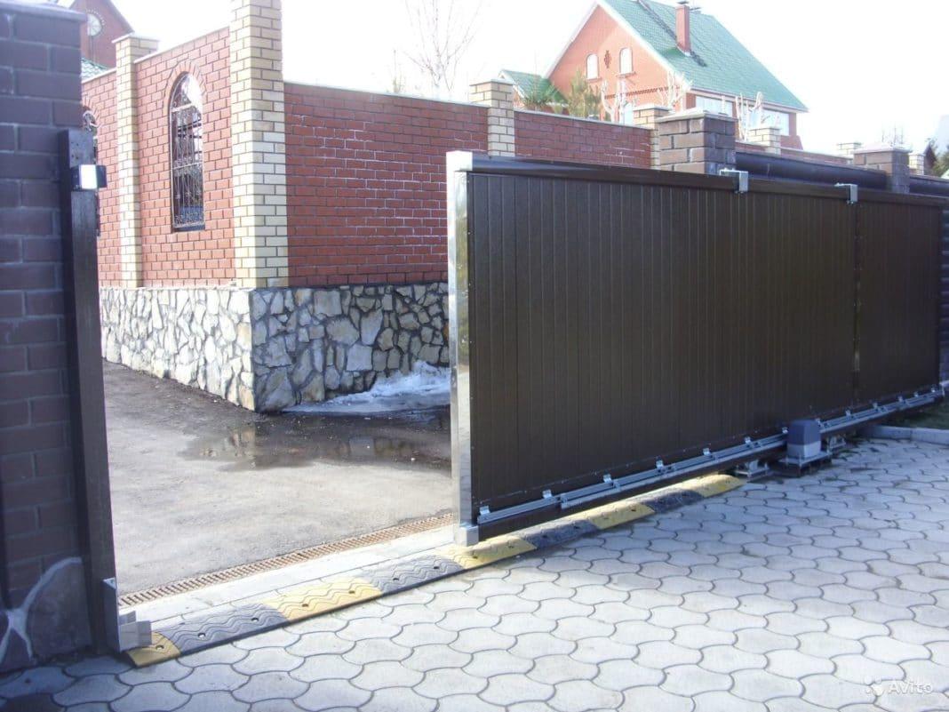 Фундамент под откатные ворота