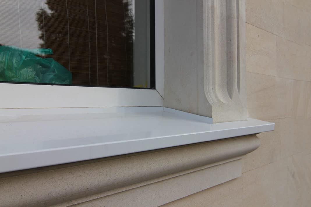 Жалюзи на окна балкона цена
