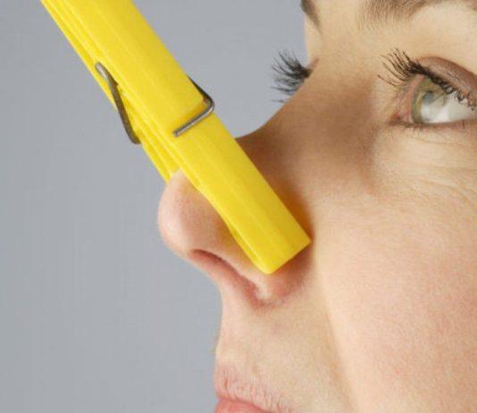 как избавиться от запаха линолеума