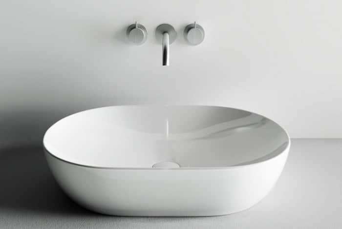 Как выбрать накладную раковину в ванную: виды, этапы монтажа