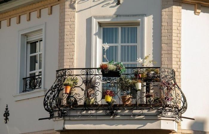 французский кованый балкон