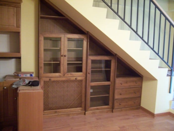 шкаф под лестницу в частном доме фото