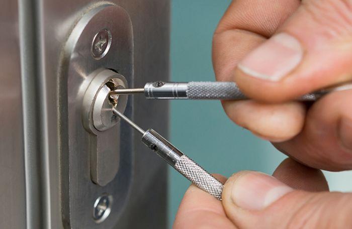 профессиональное открывание входной двери