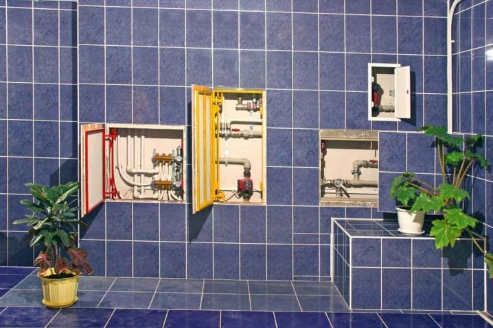 Как спрятать трубы в ванной?