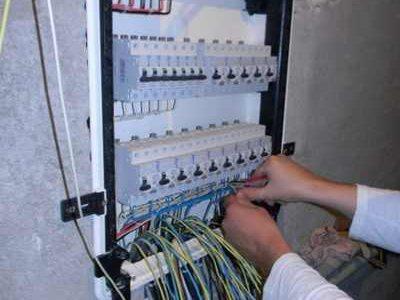 Сборка и монтаж электрического щита.