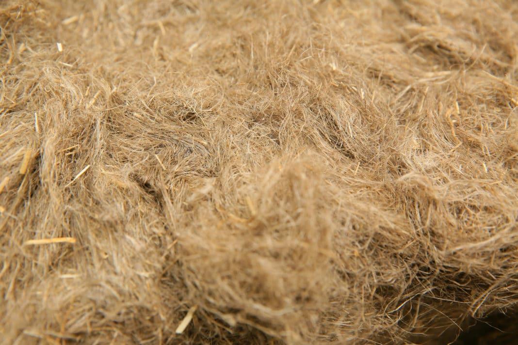 чем лучше заделать щели в деревянном полу
