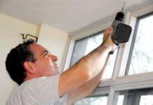 как установить карниз для штор на стену