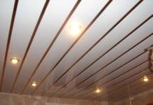 потолок в ванной из сайдинга