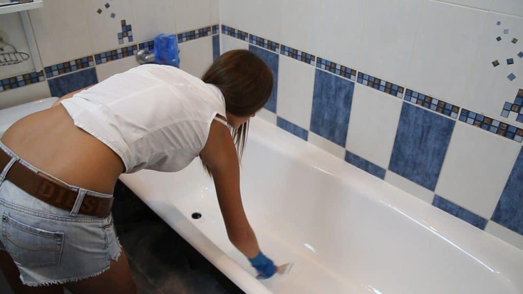 распределение акрила на дне ванны