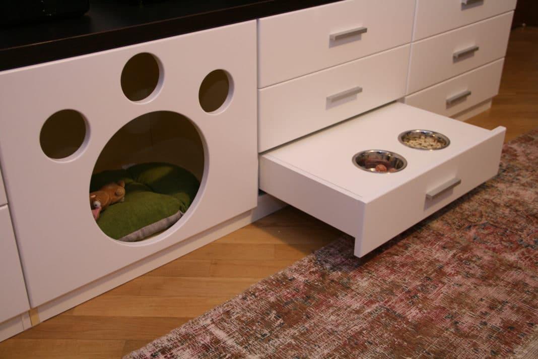 Встроенный дом для кота