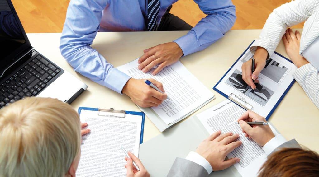 Перед выходом из организации следует заручится помощью юриста