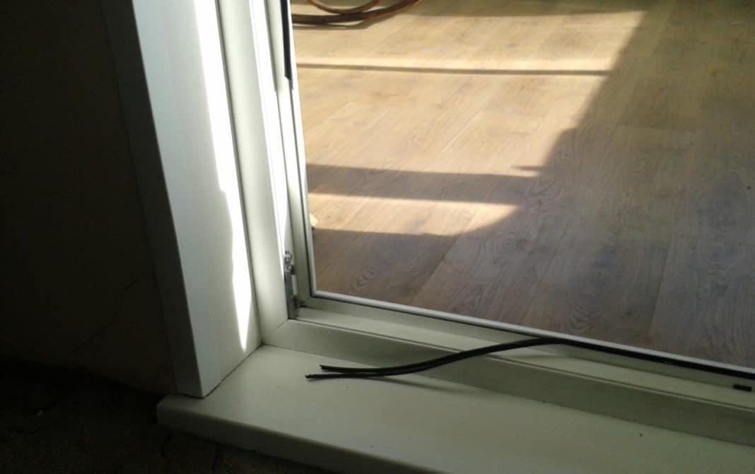 Утеплить балконную дверь своими руками фото 255
