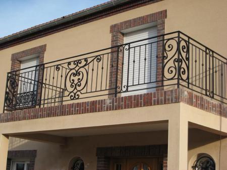 Материал для балконных перил