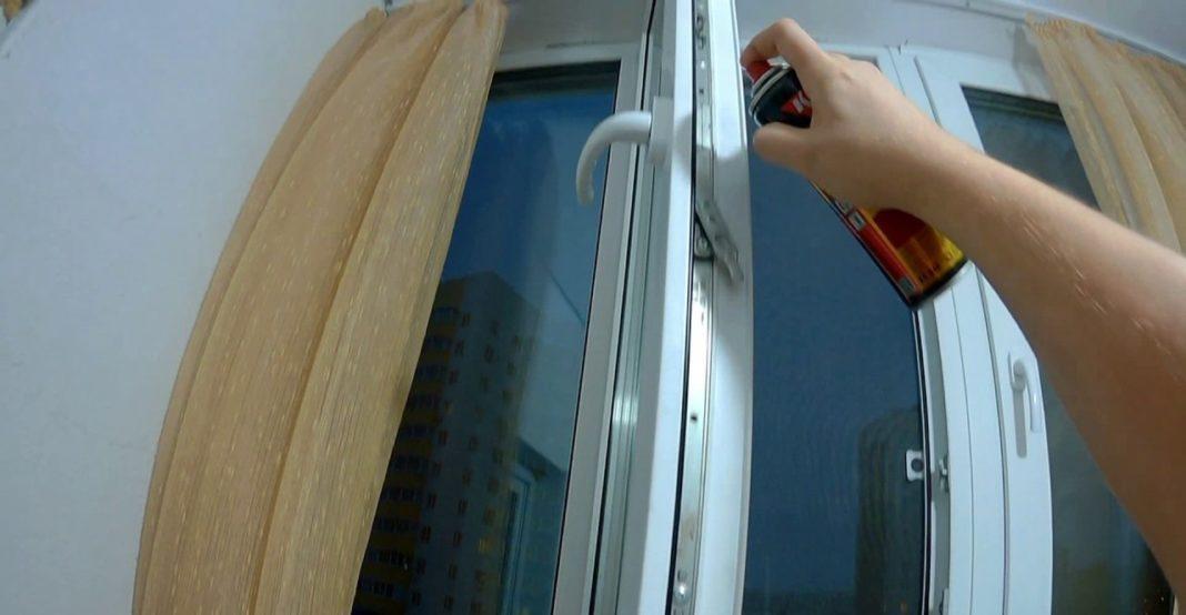Чем смазывать пластиковые окна