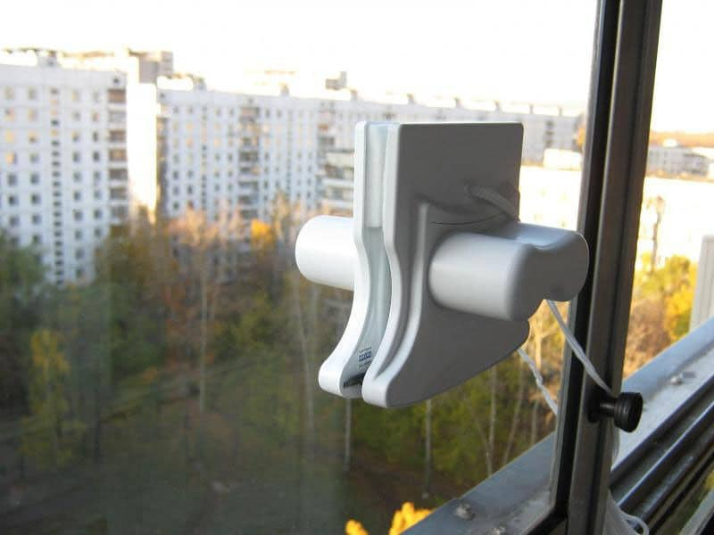 Магнитная щетка для мытья стеклопакетов