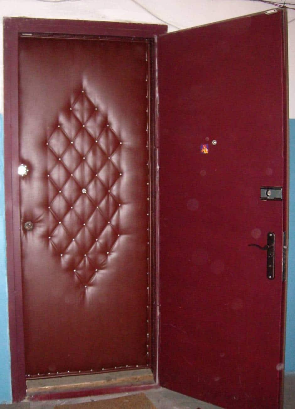 Обшивка входной двери дермантином
