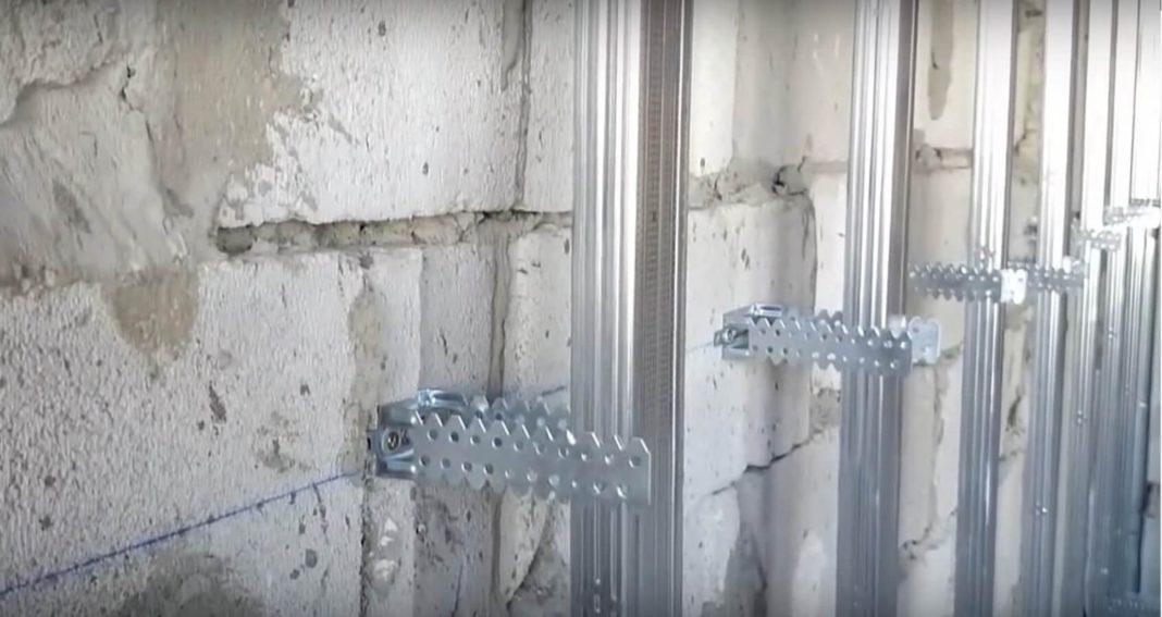 Как крепить профиль к стене
