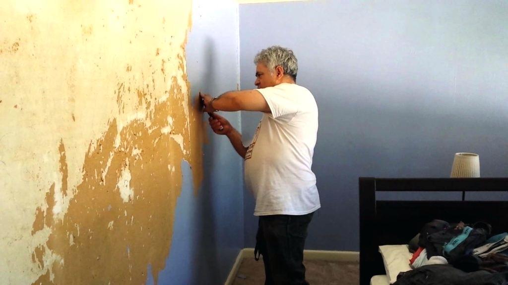 Как поклеить обои на крашеные стены