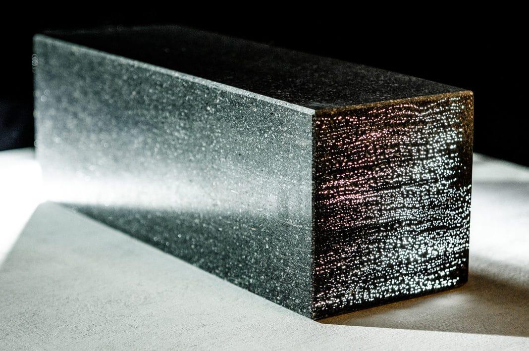 Прозрачный бетон стал доступнее в России