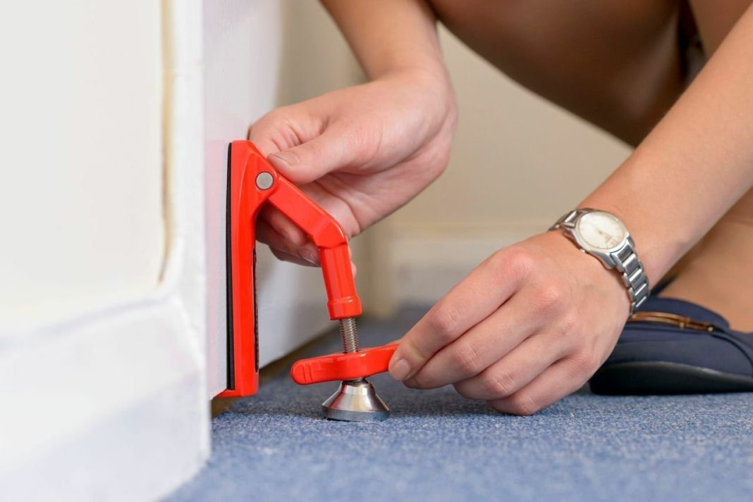 Механический стопор для двери, как недорогое и эффективное средство от взломов