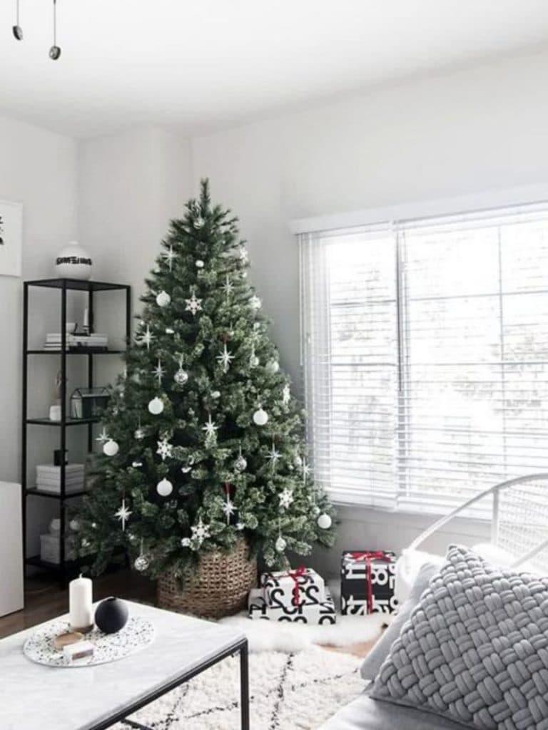 Советы как можно нарядить елку красиво и стильно