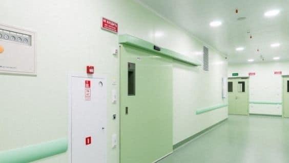 Профили для окон и дверей изготовляют из поливинилхлорида и стеклопластика